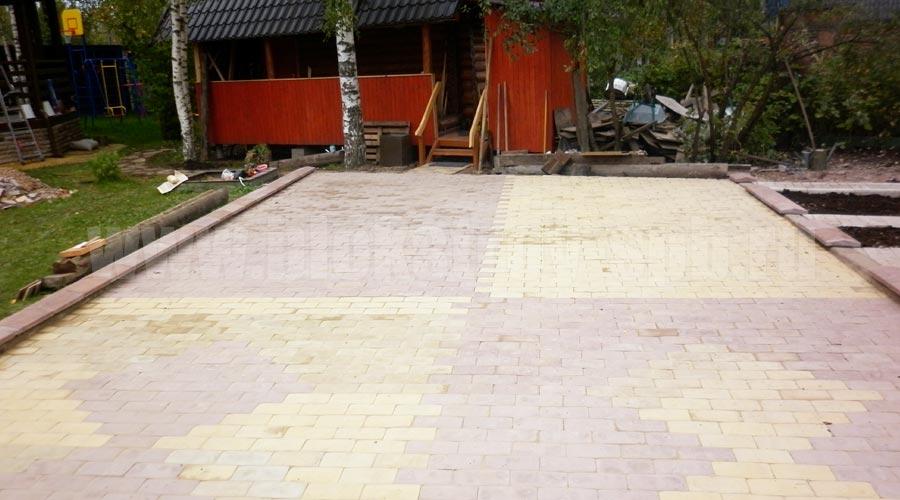 площадка мощеная плиткой английский булыжник
