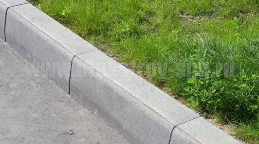 установка дорожного бордюра