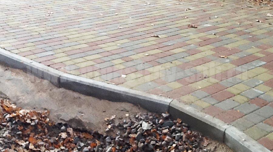 бордюр садовый с плиткой