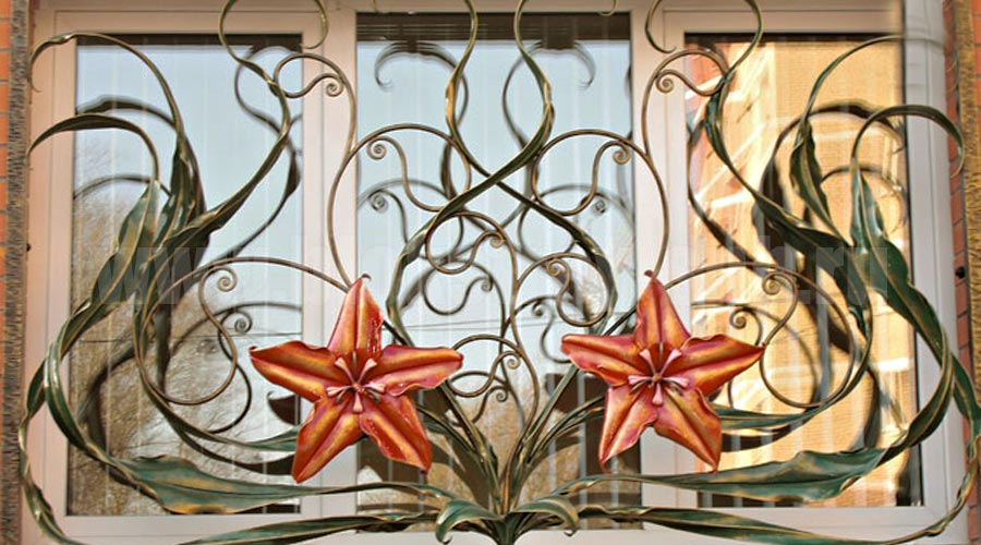 кованые решетки с цветами