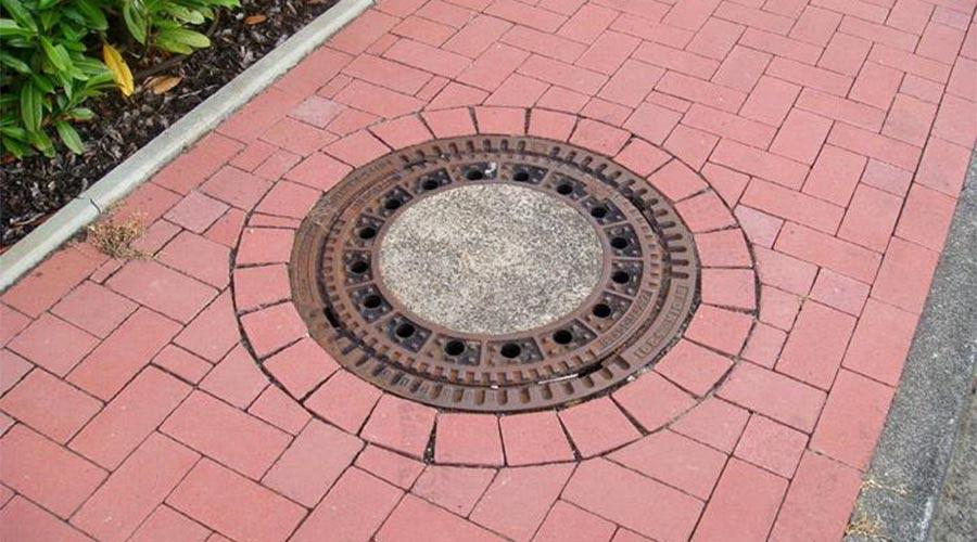 тротуарная плитка вокруг люков
